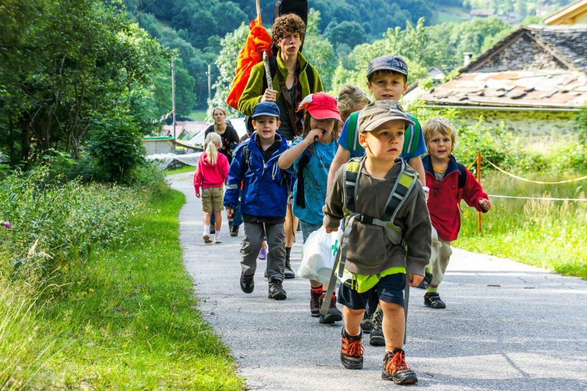 Ferienlager in der Natur. Für Kinder und erwachsene